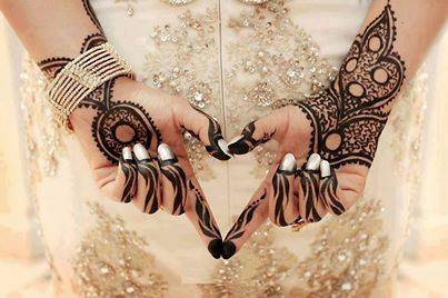Simple Arabic 2015 Indian-Mehndi-Designs-2014-for-Wedding-Photos-10