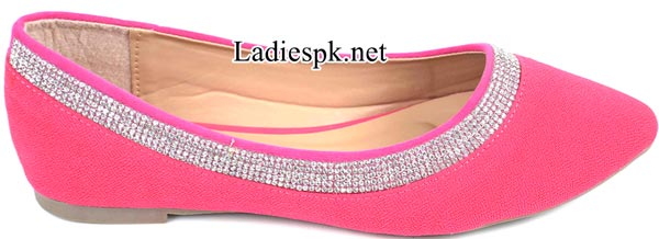 Women's-Pumps-Pink-Metro-Shoes-New-Arrival-2014-2015-Winter-Collection-with-Price-Facebook-PKR-1595