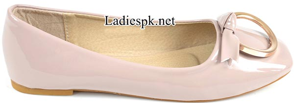 Women's-Pumps-White-Metro-Shoes-New-Arrival-2014-2015-Winter-Collection-with-Price-Facebook-PKR-1395Women's-Pumps-White-Metro-Shoes-New-Arrival-2014-2015-Winter-Collection-with-Price-Facebook-PKR-1395