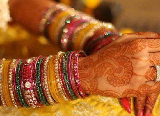 Indian Yellow Glass Bangles for Mehndi, Marriage Wedding