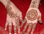 simple eid special mehndi designs 2013 for hand for girls 150x114 New Eid Chand Raat Special Mehndi Designs 2013 Hand for Girls